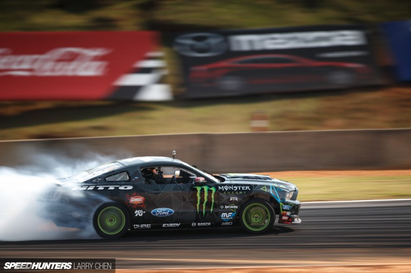 Larry_Chen_Speedhunters_engine_bays_of_Formula_drift_2015-27