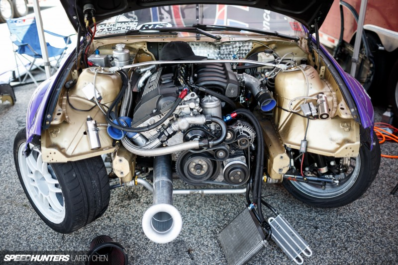 Larry_Chen_Speedhunters_engine_bays_of_Formula_drift_2015-48